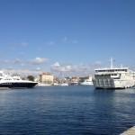 Fähre im Hafen von Zadar