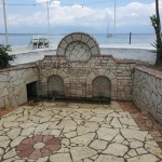 Foto: φραση το ψευτης, der Brunnen in Petalidi