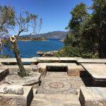 Foto: Fermor Terrasse mit Blick über die Bucht nach Kardamili