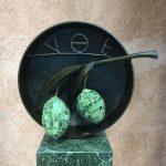 Kunstobjekt Olive im Olivenmuseum Sparta