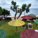 leere Hotelanlagen und leere Meeresstrände